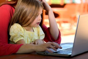 Working with a Nanny – Traditional vs Online