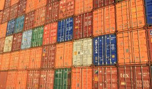 2 Things To Know When Renting Storage Containers